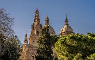 barcelona-1182088_1920