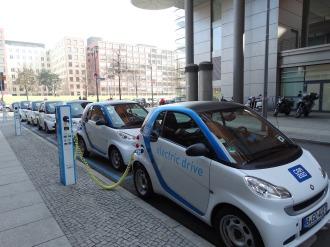 electric-car-674862_1920