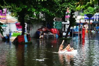 flood-989084_1920