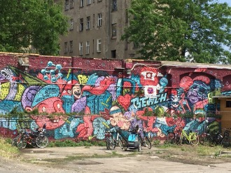 wall-1123866_1920